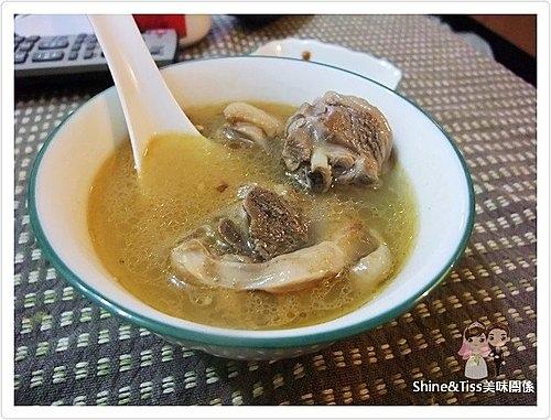 麻油雞湯食譜
